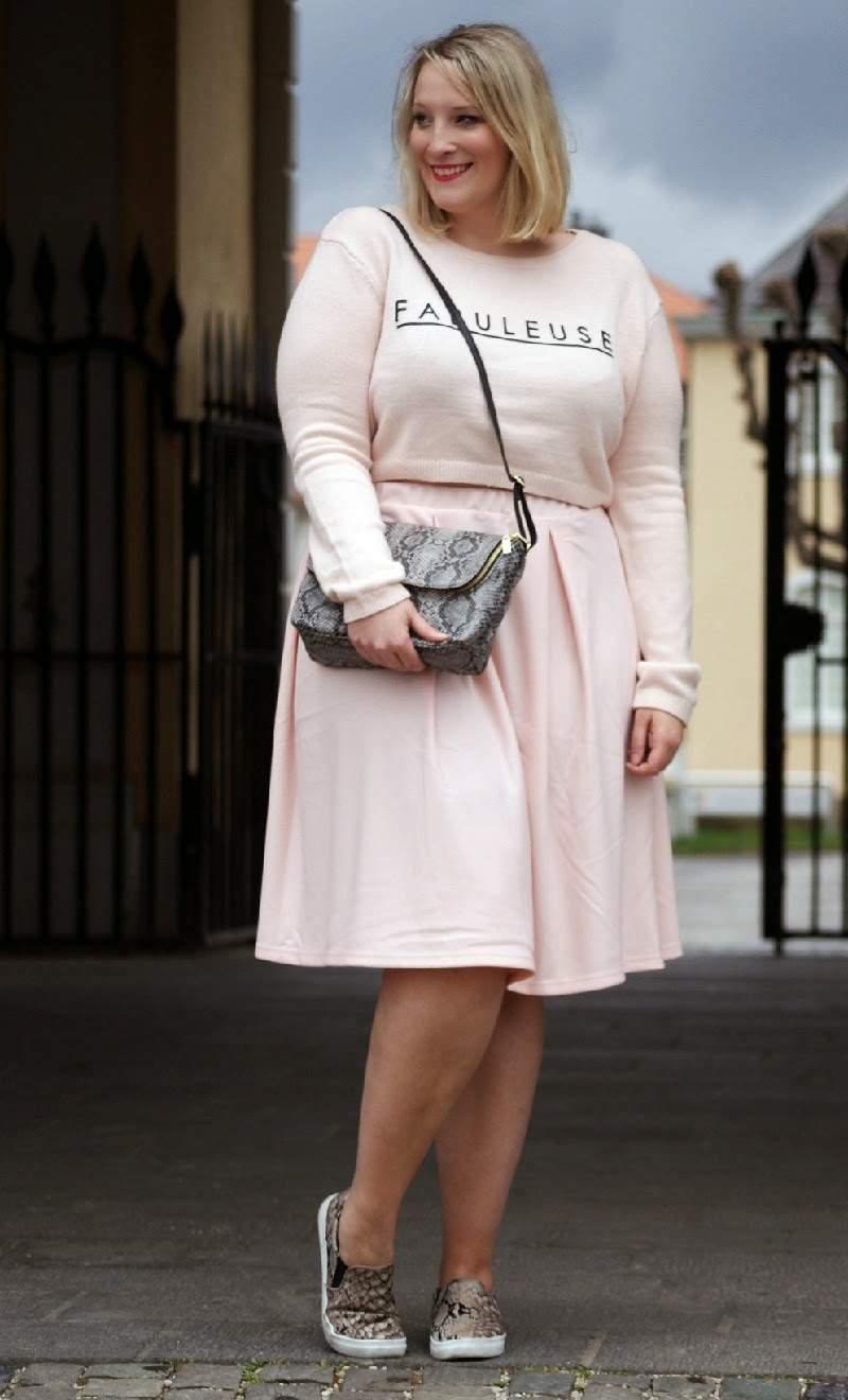 Fashion Blogger Spotlight: Lisa Of Lisa Mosh Plus Size