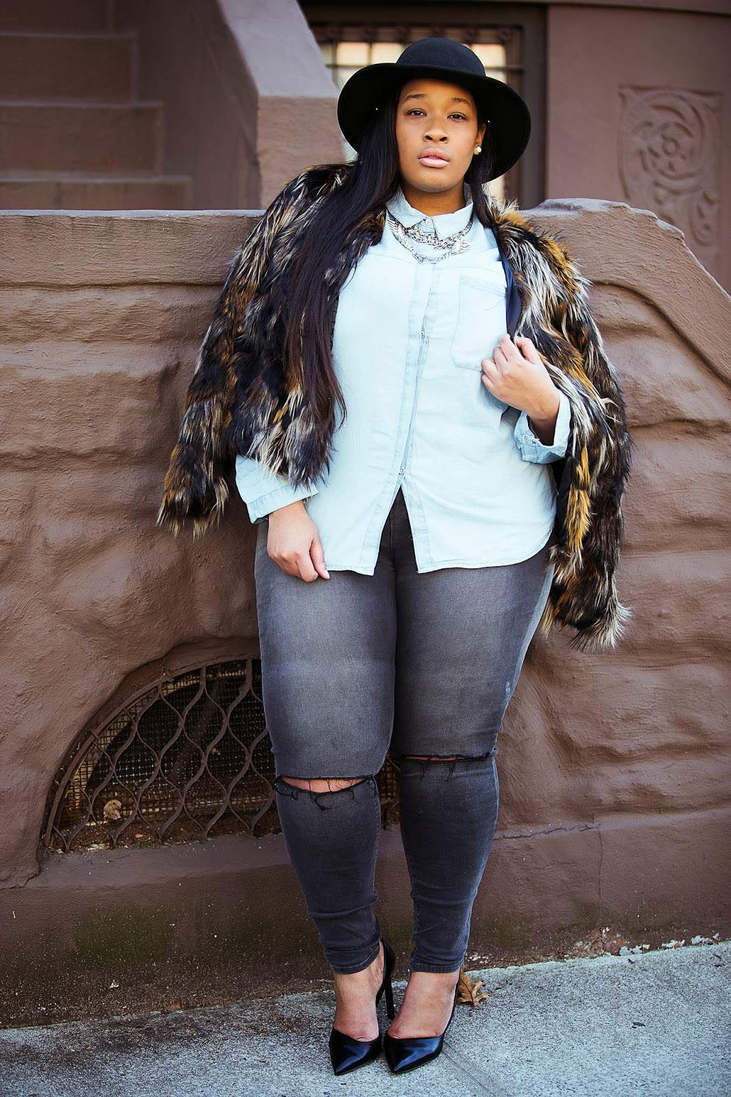plus size blogger Essie Golden