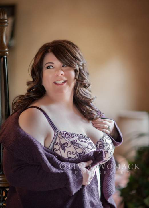 Plus Size Boudoir Photography on TheCurvyFashionista.com
