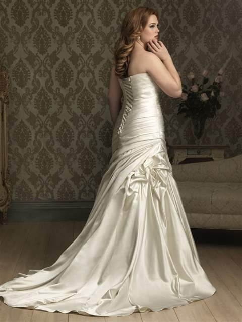Curvaceous Couture Allure Bridal