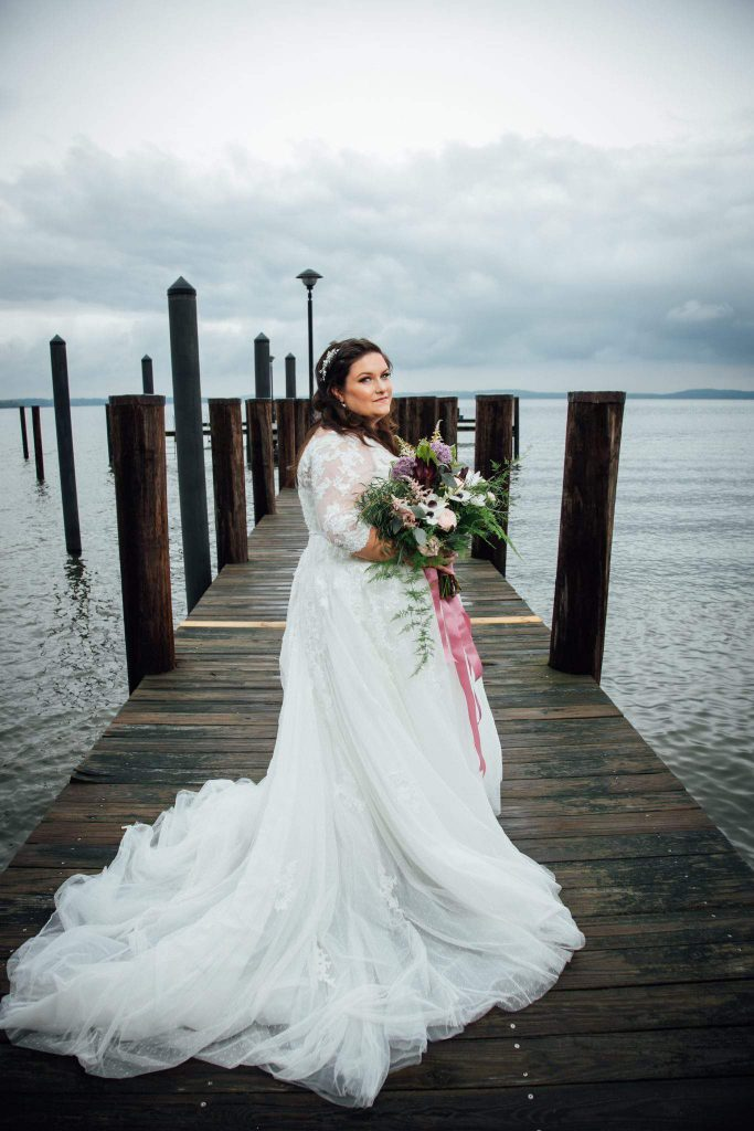 If You Re A Plus Size Bride To Be Try These Plus Size Bridal