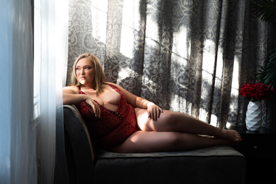 Looking to do a holiday boudoir shoot as a gift to a loved one?